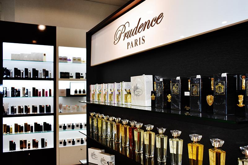 Магазин парфюмерии и косметики Аврора