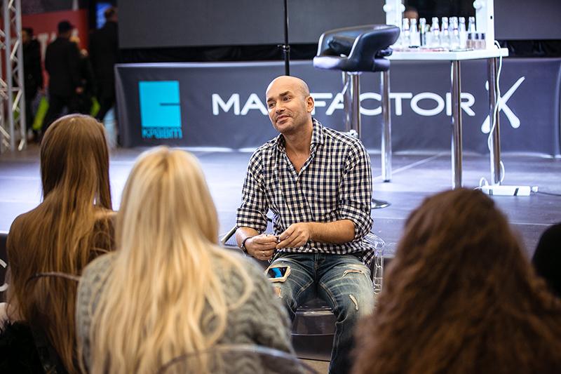 Визажист Max Factor в России Владимир Калинчев