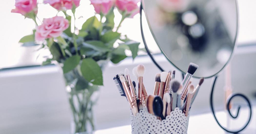 С чего начинается макияж?