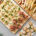 Появился удобный сервис заказа готовых праздничных блюд из заведений Минска